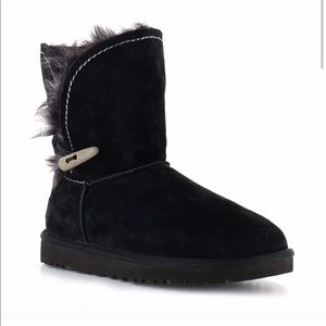 Ugg AustraliaMeadow Boot With A Toggle Black size7